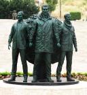 Üç Fidan Anıtı İzmir